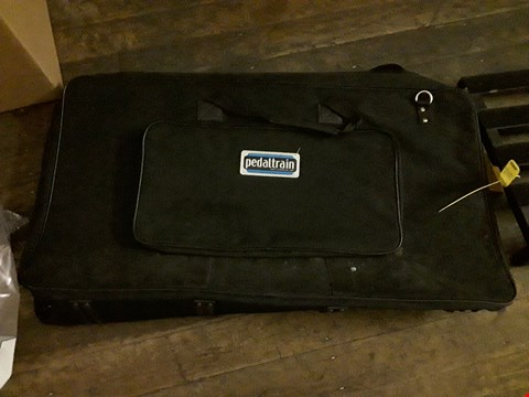 Lot 8115 PEDALTRAIN BLACK CARRY CASE WITH STAND