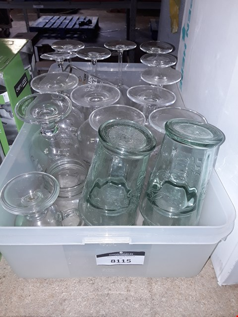 Lot 8115 BOX OF APPROXIMATELY 19 ASSORTED GLASSES