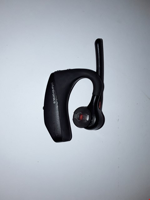 Lot 4208 PLANTRONICS 206110-01 VOYAGER 5200 UC BLUETOOTH HEADSET