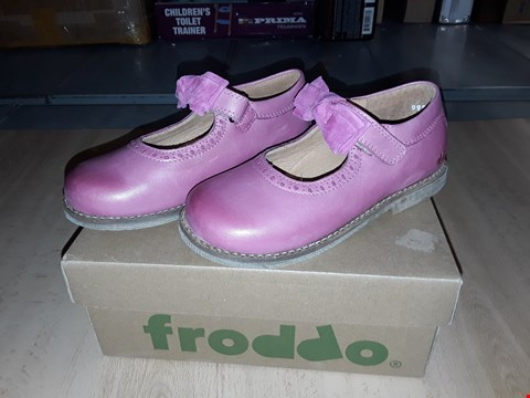 Lot 12447 BOXED FRODDO PINK LEATHER BOW DETAIL SHOES UK SIZE 11 JUNIOR