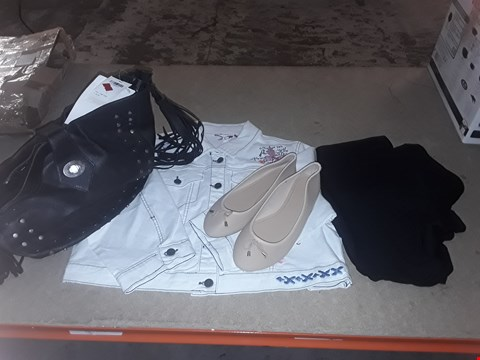 Lot 9350 LOT OF 4 BOXES OF APPROXIMATELY 87 CLOTHING ITEMS TO INCLUDE BALLERINA D FIT SHOES NUDE COLOUR, JB JACKET WHITE, BLACK HAND BAG, ECT