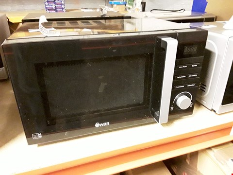 Lot 1360 SWAN MANUAL MICROWAVE OVEN SM22080B BLACK RRP £89.99