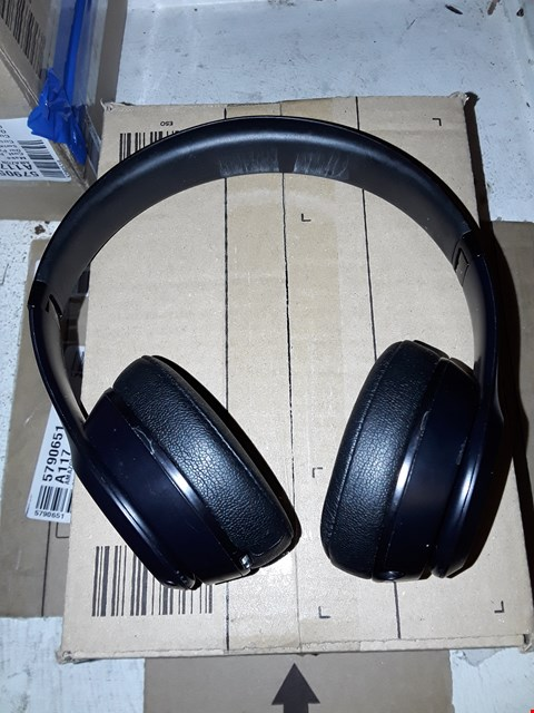 Lot 8129 BEATS SOLO3 WIRELESS SPECIAL EDITION BLACK