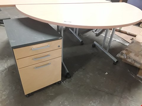 Lot 2097 TWO PIECES OF KINNARPS OFFICE FURNITURE, COMPRISING, SEMI CIRCULAR TABLE ON CASTORS & 3 DRAWER CABINET