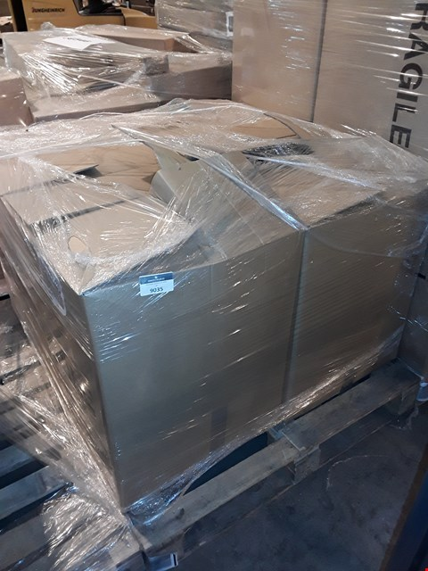 Lot 91 PALLET OF APPROXIMATELY 150 ASSORTED CLOTHING ITEMS