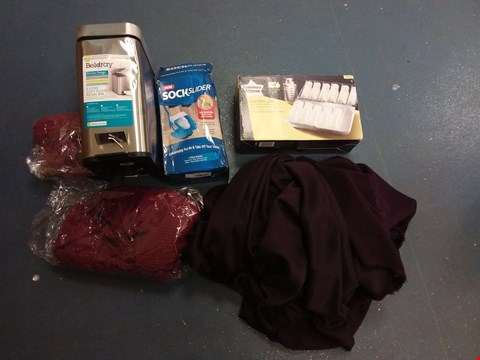 Lot 10577 BOX OF A SIGNIFICANT QUANTITY OF ASSORTED HOUSEHOLD ITEMS TO INCLUDE SOCK SLIDER, BELDRAY PEDAL BIN, TOMMEE TIPPEE STORAGE CASE ETC
