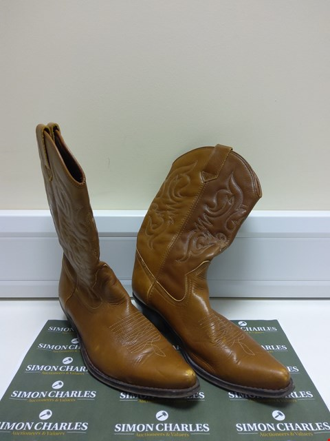 Lot 3033 PAIR OF BROWN LEATHER BOOTS SIZE 44
