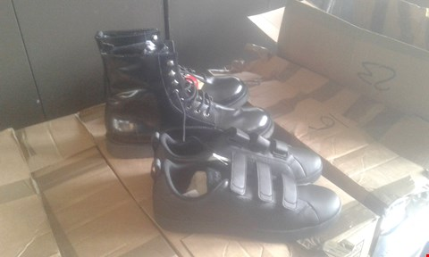 Lot 7043 APPROXIMATELY 6 X MENS FOOTWEAR TO INCLUDE ADIDAS TRAINERS AND LACE UP BOOTS