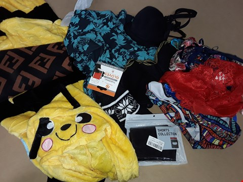 Lot 65 LOT OF 8 ASSORTED CLOTHING ITEMS TO INCLUDE BEE ONESIE AND THERMAL GLOVES