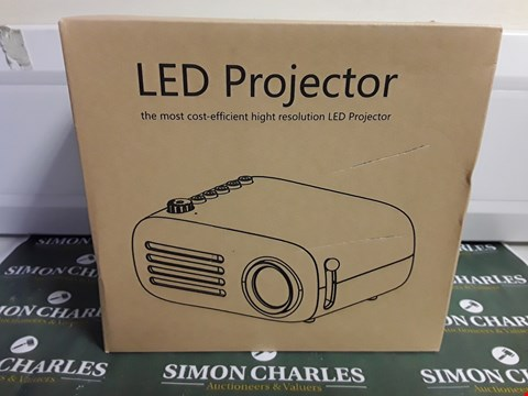 Lot 1483 BOXED LED PROJECTOR
