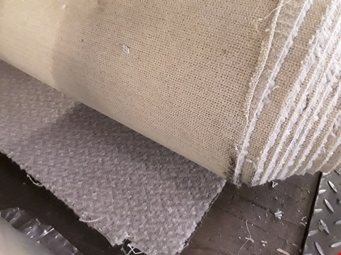 Lot 71 ROLL OF GREY PATTERNED CARPET CARPET APPROXIMATELY 5M × SIZE UNSPECIFIED