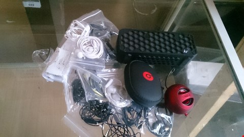 Lot 13 APPROXIMATELY 17 ASSORTED AUDIO ITEMS INCLUDING BLUETOOTH SPEAKER, BEATS,  AND VARIOUS OTHER EARPHONES