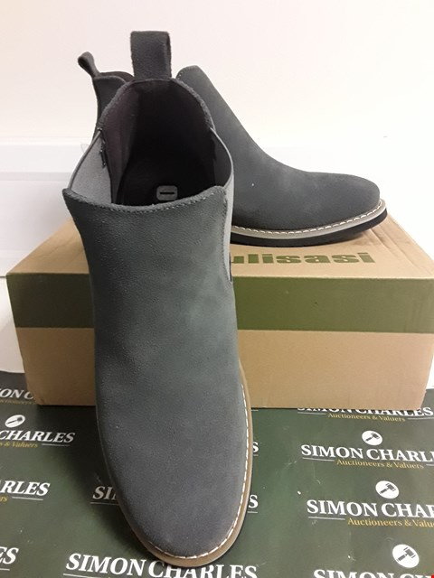 Lot 3094 DESIGNER BOXED PAIR OF GREY SUEDE EFFECT CHELSEA BOOTS SIZE UNSPECIFIED