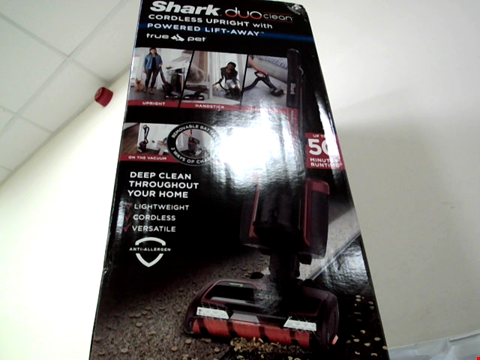 Lot 167 SHARK IC160UKT DUOCLEAN POWERED LIFT-AWAY TRUE PET CORDLESS VACUUM CLEANER