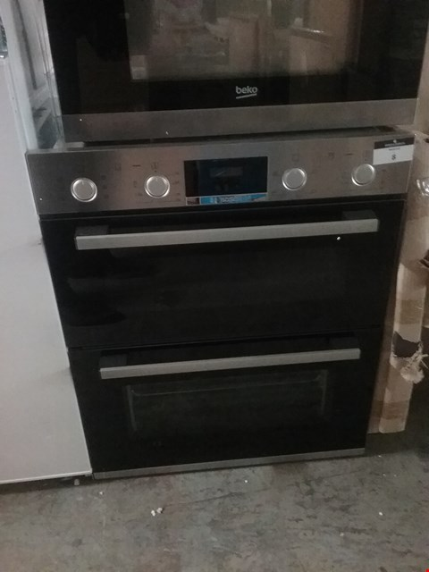 Lot 7 BOSCH INTEGRATED DOUBLE OVEN
