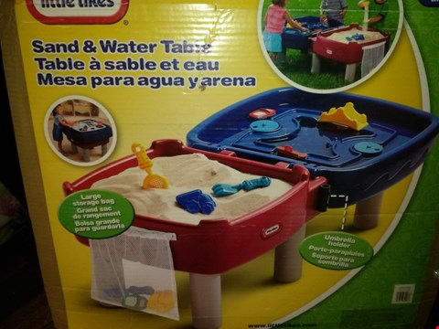Lot 8590 LITTLE TIKES SAND & WATER TABLE