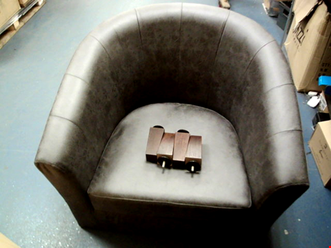Lot 13695 BOXED MAJESTIC FAUX LEATHER TUB CHAIR RRP £194.00