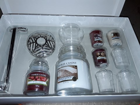 Lot 2259 YANKEE CANDLE GIFT SET