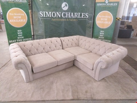 Lot 14 QUALITY BRITISH MADE DESIGNER BEIGE FABRIC BUTTON BACK BEIGE CORNER SOFA WITH SCROLL ARMS