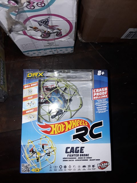 Lot 1082 LOT OF 2 ITEMS TO INCLUDE HOT WHEELS DRX CAGE FIGHTERS DRONE, PULL MY FINGER GAME RRP £50