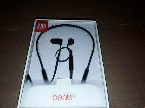 Lot 8091 BEATS BY DR. DRE MLYE2ZM/A BEATS X EARPHONES