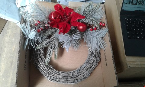 Lot 130 BRAND NEW FROSTED CORNER WREATH RRP £14.99
