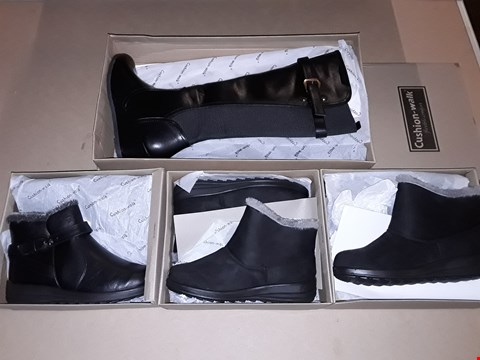 Lot 60 LOT OF 13 ASSORTED BOXED PAIRS OF CUSHION WALK SHOES IN VARIOUS SIZES