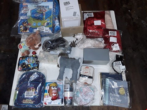 Lot 4222 CAGED LARGE QUANTITY OF ASSORTED HOMEWARE AND TOY ITEMS TO INCLUDE ME POTATIEHEAD, VARIOUS SEASONAL DECORATIONS AND PAW PATROL READY BED