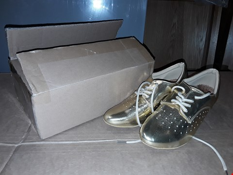 Lot 5 BOXED PAIR OF GOLDEN DESIGNER SHOES (SIZE UNKNOWN)