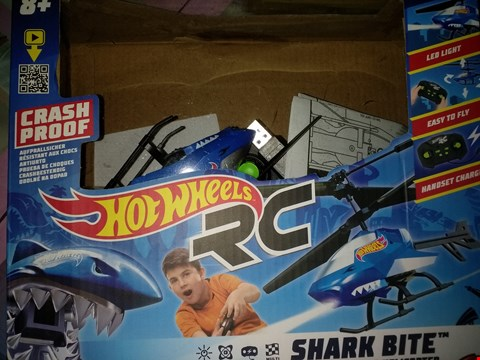 Lot 8575 HOT WHEELS SHARK BITE RC 2 CHANNEL GYRO HELICOPTER