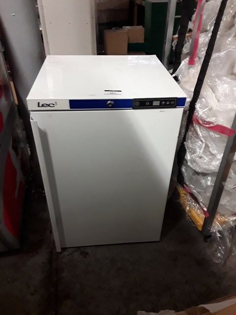 Lot 2017 LEC SMALL WHITE FREEZER
