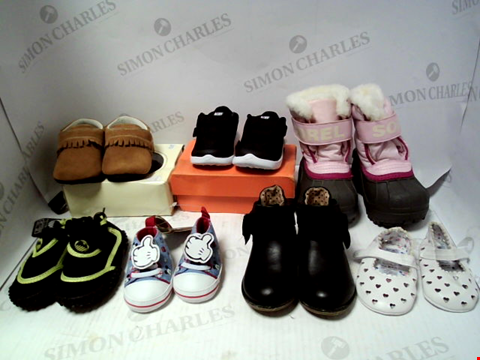 Lot 16138 LOT OF APPORXIMATELY 7 PAIRS OF BABY SHOES TO INCLUDE JACK & LILY, NIKE, DISNEY ETC.