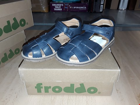 Lot 12460 BOXED FRODDO DARK BLUE LEATHER SANDALS UK SIZE 11.5 JUNIOR