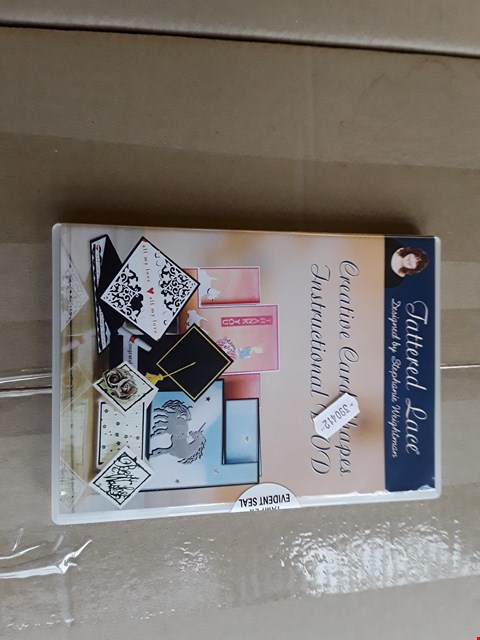 Lot 2360 APPROXIMATELY 240 BRAND NEW TATTERED LACE CREATIVE CARD SHAPE INSTRUCTIONAL DVD