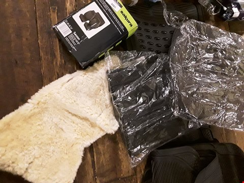 Lot 3085 SET RUBBER MATS, CAR SEAT COVER SET, BACK REST, SHEEP SKIN COVER,