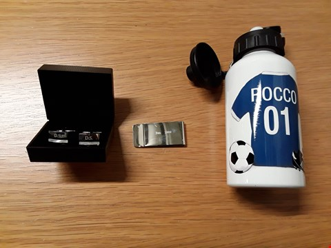 Lot 7149 BOX OF 9 ASSORTED ITEMS TO INCLUDE PERSONALISED FOOTBALL DRINKS BOTTLE, PERSONALISED MONEY CLIP, PERSONALISED CUFFLINKS  RRP £206