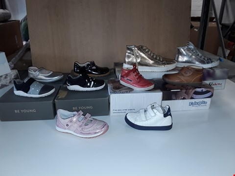 Lot 12806 LOT OF APPROXIMATELY 30 ASSORTED PAIRS OF BABY/CHILDRENS SHOES TO INCLUDE FALCOTTO, BOBUX, NATURINO
