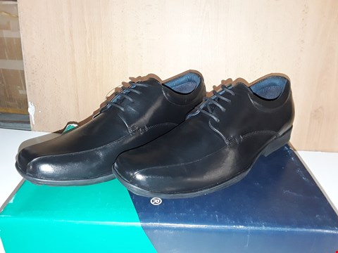 Lot 12743 BOXED POD FOOTWEAR WESSEX BLACK LEATHER SHOES UK SIZE 7
