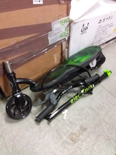 Lot 2050 ELECTRIC XT POWERED SCOOTER RRP £95