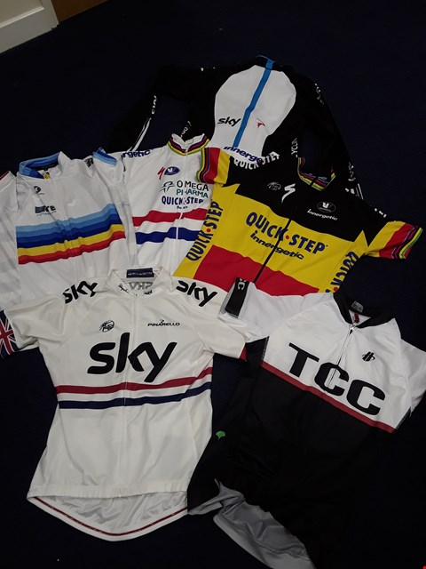 Lot 4122 SIX ASSORTED CYCLING JERSEYS, INCLUDING, SKY, QUICK STEP, ASSORTED SIZES, L, XL,