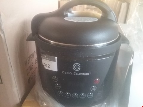 Lot 2012 COOK'S ESSENTIALS 4L PRESSURE COOKER