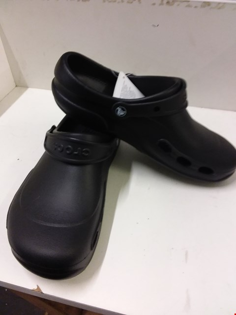 Lot 9048 BAGGED CROCS ROOMY FIT RUBBER SHOES - BLACK SIZE 9/10