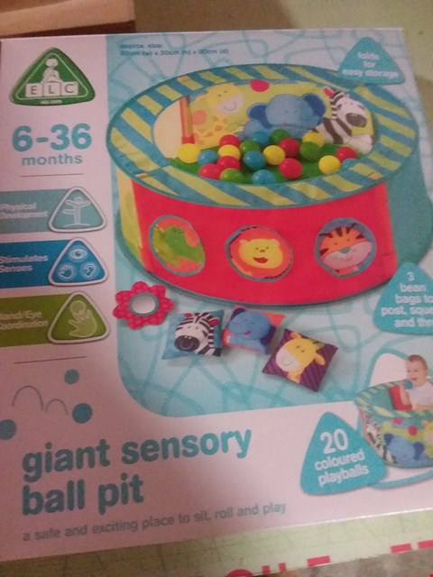 Lot 2048 LOT OF 2 GRADE 1 ITEMS TO INCLUDE EARLY LEARNING CENTRE SENSORY BALL PIT & 4 PACK FENCE WALL AND POST LIGHT