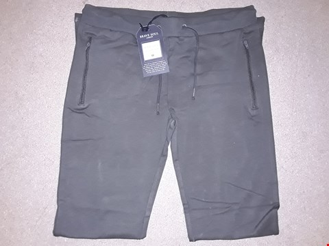 Lot 117 BOX OF APPROXIMATELY 7 MEDIUM GREEN BRAVE SOUL  JOGGERS