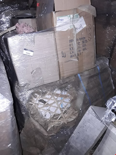 Lot 10011 PALLET OF 4 BOXES OF HANDY BITS VACUUM CLEANER DRIVE BELTS AND ASSORTED WICKER GARDEN PARTS