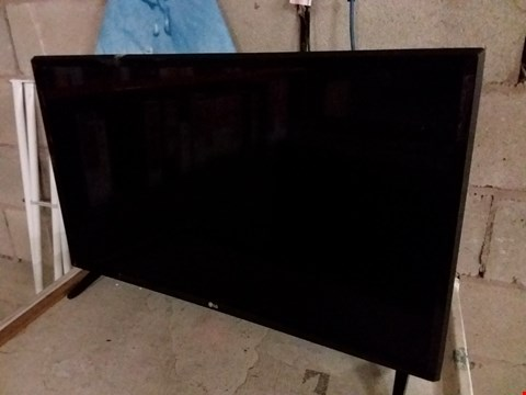 "Lot 202 LG 32LJ510B 32"" HD TV"