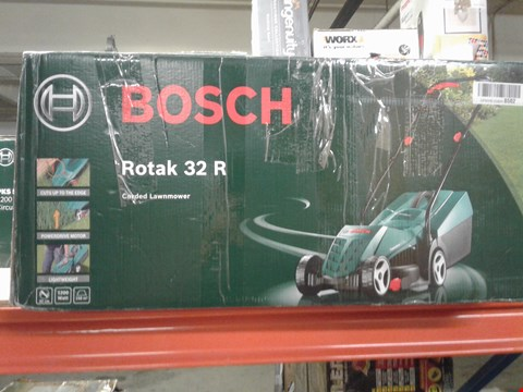 Lot 9502 BOSCH ROTAK 32R CORDED LAWNMOWER