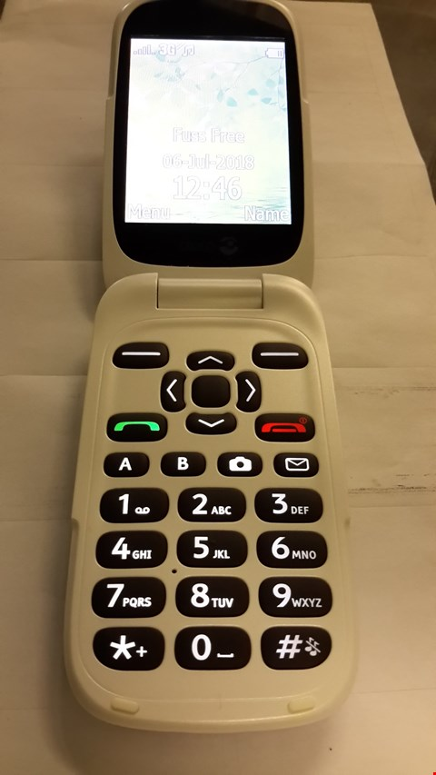 Lot 81 DORO 6520 FLIP MOBILE PHONE