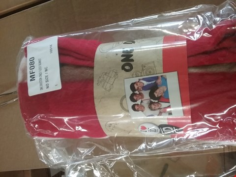 Lot 193 LOT OF APPROX 12 ONE DIRECTION CRAZE FLEECE BLANKET (2 BOXES)