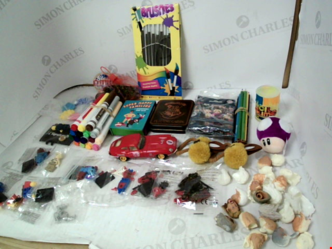 Lot 3068 LOT OF ASSORTED TOYS & COLLECTIBLES TO INCLUDE: HARRY POTTER PLAYING CARDS, ASSORTED SIZES PAINT BRUSHES, GLASS MARBLES, COLOURING PENS